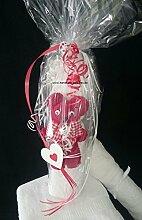 Handtuch-Geschenk-Figur aus eigener Anfertigung, Handtuch gerollt in weiß plus kleines Bärchen in rot, in Klarsichtfolie als Geschenk verpackt, originelle Geschenkidee, hergestellt aus einem Handtuch 50x100 cm und einem Gästetuch 30x50 cm in 100% reiner Baumwolle