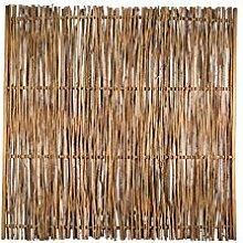 Haselnuss-Zaun als Flechtzaun mit seiltlichen Holz-Rahmen im Maß 180 x 180 cm ( Breite x Höhe ) aus der Serie der Haselnuss-Zäune mit braun gebeizten Holz-Rahmen aus Kiefer / Fichte