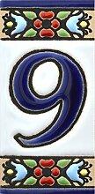 Hausnummer. Schilder mit Zahlen und Nummern auf