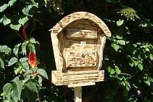 HBK-RD-GEFLAMMT Briefkasten aus Holz geflammt gebrannt amazon schwarz - natur Gartendeko Briefkästen Holzbriefkästen Postkasten Runddach - passt auch zu vielen Vogelhäusern Vogelhaus Insektenhotel Insektenhotels Vogelhäuser aus Holz Ergänzung für Vogelhäuschen und Vogelfutterhaus Nistkasten Meisenkasten mit echt Holzschindel