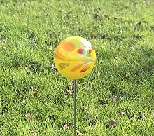 HFG Rosenkugel auf Stab gelb D 12 cm Gartenstecker
