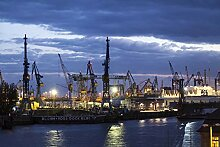 Hochwertige Fototapete - Containerhafen in Hamburg