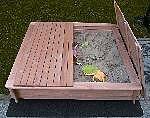 Holz Sandkasten Tessa mit Vollabdeckung 1/Stck  ,Länge:140cm ,Breite:140cm ,Höhe:24cm