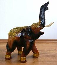Holzelefanten mit goldfarbener Verzierung