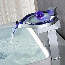HONGLONG Messing verchromt Personalisierte Griff LED Waschbecken Wasserhahn - Silber