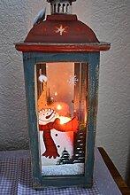 Hübsche Weihnachtslaterne aus Holz und Glas