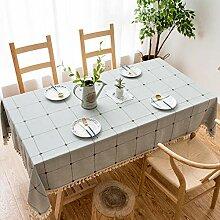 ischdeckeBestickte Tischdecke mit quadratischem