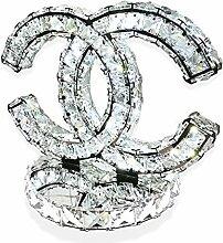 K9 Kristall Tischleuchte, Persönlichkeit