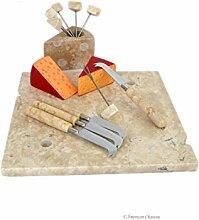 Käsebrett mit Messer und Plektren aus