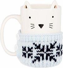 Kaffeebecher aus weißer Fayence mit Pullover aus