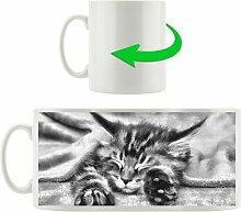 Kaffeebecher Baby-Katze, rote Bettdecke East Urban