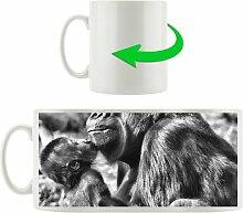 Kaffeebecher Gorilla-Baby küsst seine Mutter East