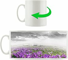 Kaffeebecher Nebliger Sonnenaufgang im Karpaten