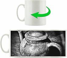 Kaffeebecher Stilvolle alte Teekanne aus Keramik