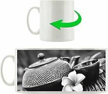 Kaffeebecher Teekanne mit Kräutern