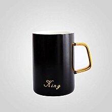 Kaffeetassen-Set mit vergoldetem Griff,