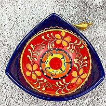 Keramik-Dinner-Schüsseln und Teller,