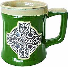 Keramikbecher mit irischem Design eines keltischen Kreuzes, grün