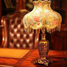 KHSKX Kreative Nachttischlampe, Hochzeit antike Beleuchtung, Stoff geschnitzten Schlafzimmer Nachttischlampe, Europäische Harz Lampe