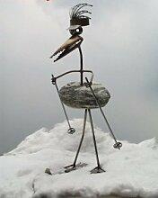 Klara, die Skifahrerin Gartenfigur und Gartendeko als Steinvogel aus Edelstahl Größe M ca 40 cm höhe