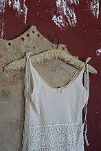 Kleiderbügel aus Holz mit Spitzenstoff bezogen Vintage Landhaus Shabby French Nostalgie von Jeanne d' Arc Living