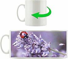 kleiner Marienkäfer auf Lavendel, Motivtasse aus weißem Keramik 300ml, Tolle Geschenkidee zu jedem Anlass. Ihr neuer Lieblingsbecher für Kaffe, Tee und Heißgetränke