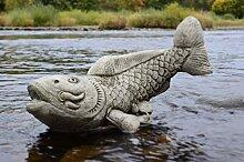 Koi Karpfen Fisch–Hand Kunststein