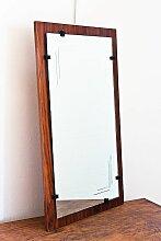 Konischer spanischer Spiegel mit lackiertem