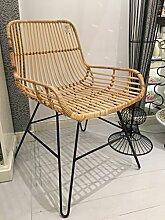 Korbstuhl im Retrodesign, schwarze Iron Füße, Rattan, Vintage