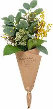 Künstlicher Blumenstrauß in Packpapierhülle