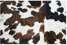 Kuhfell-Teppich mit schwarzer und weißer Textur,