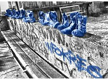Landscapes Shoes Fotodruck in Blau East Urban Home