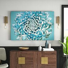 Leinwandbild Blaue Chrysantheme East Urban Home