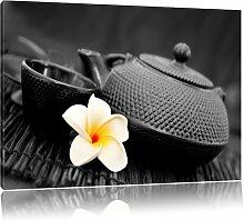 Leinwandbild Teekanne mit Jasminblüte