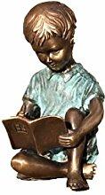 Lesender Junge mit Buch, Jungenfigur, Skulptur aus Bronze