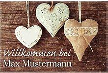 Manutextur Fußmatte mit Namen - Motiv Herzen -