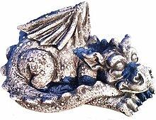 Massiver großer schlafender Stein Drachen
