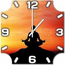 Meditation, Design Wanduhr aus Alu Dibond zum Aufhängen, 48 cm Durchmesser, schmale Zeiger, schöne und moderne Wand Dekoration, mit qualitativem Quartz Uhrwerk