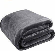 MEROUS Kuscheldecke Fleece Decke für Zuhause 150 x 200 cm, Dunkelgrau - Weich Falten-Beständig Microfaser Sofadecke