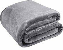 MEROUS Kuscheldecke Fleece Decke für Zuhause 150 x 200 cm, Grau - Weich Falten-Beständig Microfaser Sofadecke
