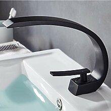 Messing Bad Wasserhahn. Waschbecken Wasserhahn