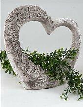 Moderne Gartendeko Herz rustikal grau 29 cm hoch