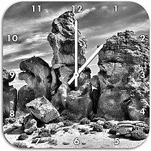 Monocrome, außergewöhnliche Felsbrocken in der