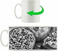 Monocrome, Granatapfel, Motivtasse aus weißem Keramik 300ml, Tolle Geschenkidee zu jedem Anlass. Ihr neuer Lieblingsbecher für Kaffe, Tee und Heißgetränke