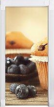Muffins mit Schokoraspeln und Blaubeeren als Türtapete, Format: 200x90cm, Türbild, Türaufkleber, Tür Deko, Türsticker