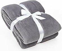 myHomery Kuscheldecke fürs Sofa aus Coral Fleece