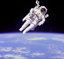 NASApete Astronaut auf Raketensessel, Kosmonaut, Fototapete, Bildtapete, XXXL-Poster, 6 Bahnen, 279x260cm