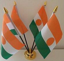 Niger nigrische 4Flagge Desktop Tisch mit Gold Boden