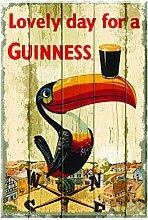 Nostalgisches Guinness-Holzschild mit Tukan auf