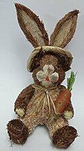 Osterhase sitzend aus Naturfaser und Plüsch mit Karotte Strohosterhase 27 cm groß Osterhasenfigur Osterdeko schöne Dekofigur zu Ostern
